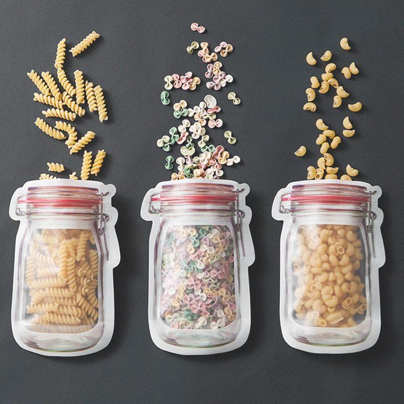 3 sachets conservation contenant des pâtes