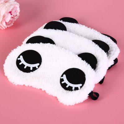 Trois masques panda empilés