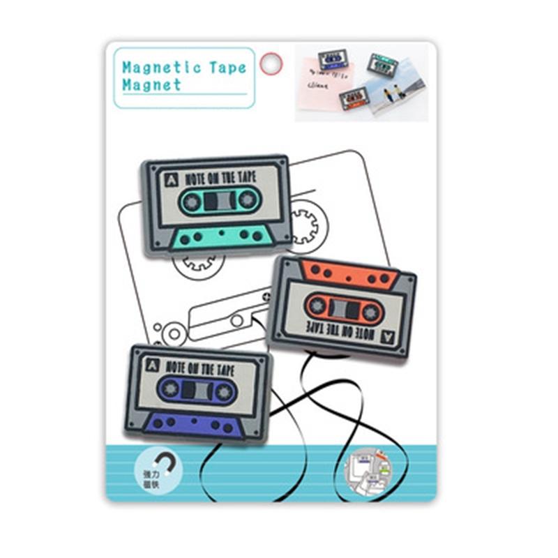 Magnet vintage aimant en forme de cassette - vue du packaging