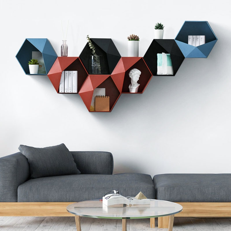 étagère design hexagonale utilisées comme décoration de mur