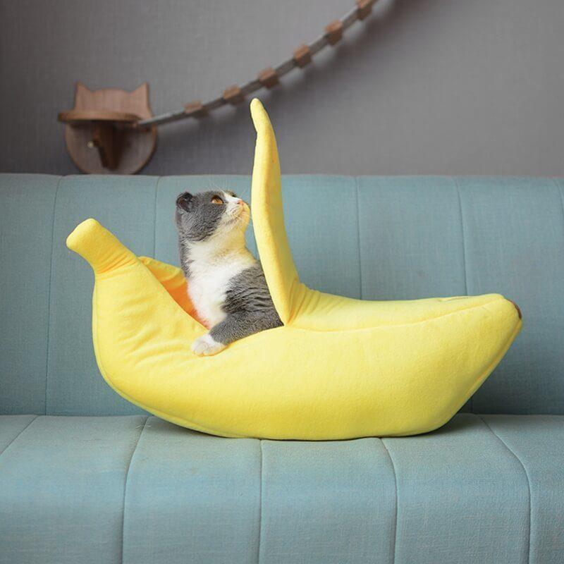 lit banane pour chat - vue de face