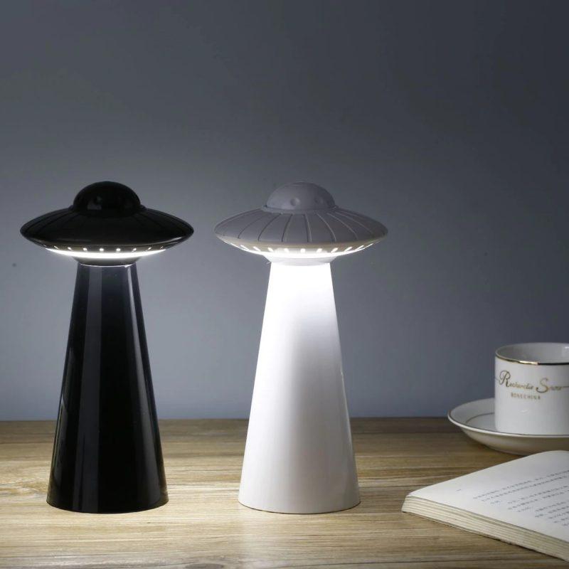 lampe soucoupe volante noir et blanc