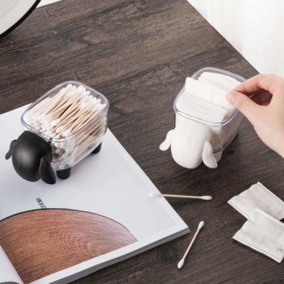 Deux Boites mouton noir et blanche avec main