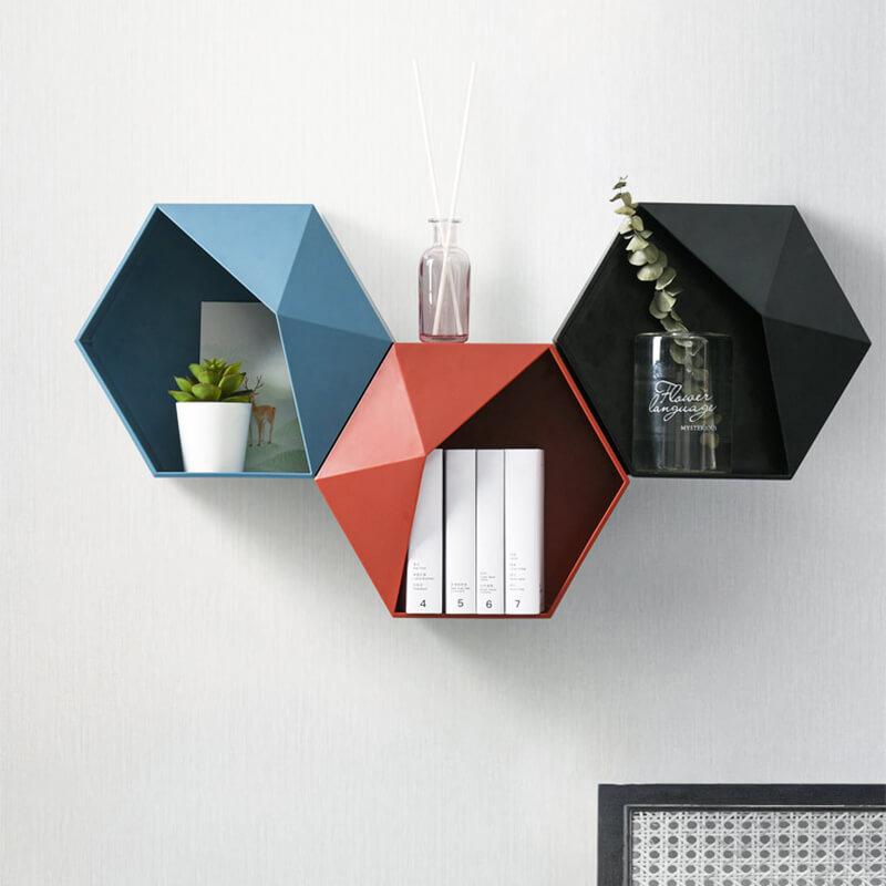 étagère en forme d'hexagone par trois