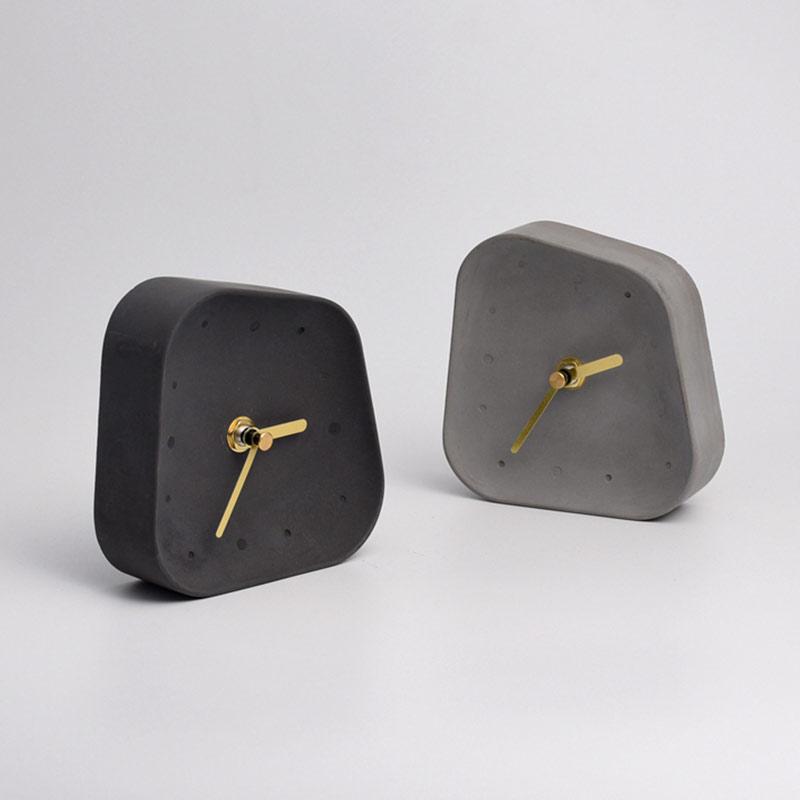 horloge de table béton noir et gris