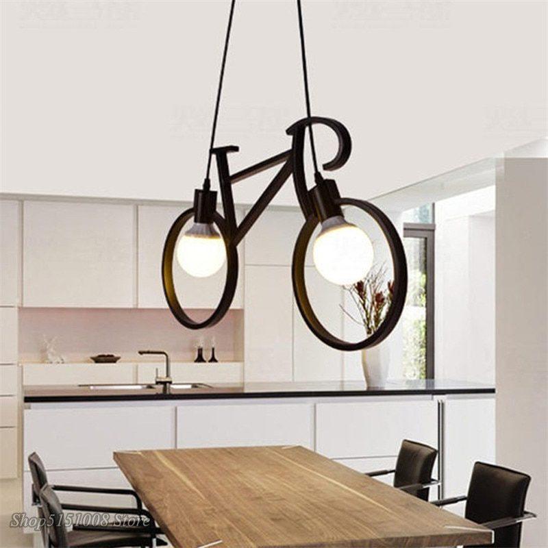 Lampe vélo noir dans une cuisine