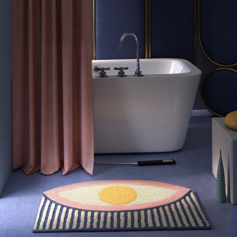 Tapis géométrique oeil avec baignoire
