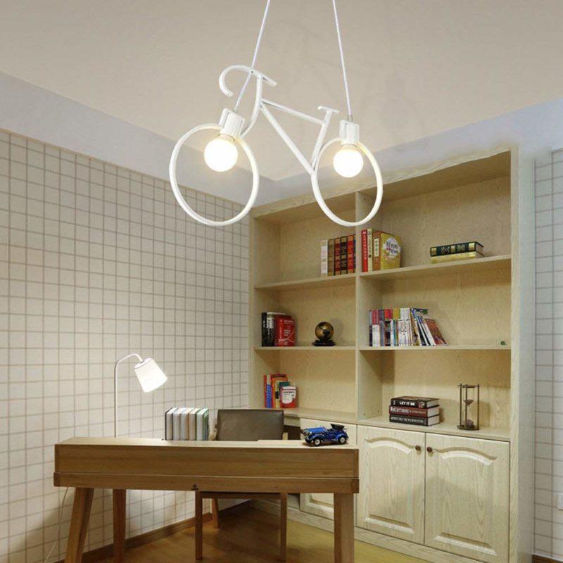 Lampe vélo blanc dans un bureau