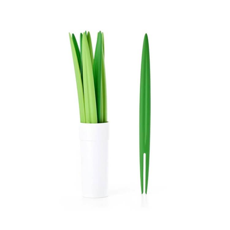 Zomm sur les piques apéritives bambou