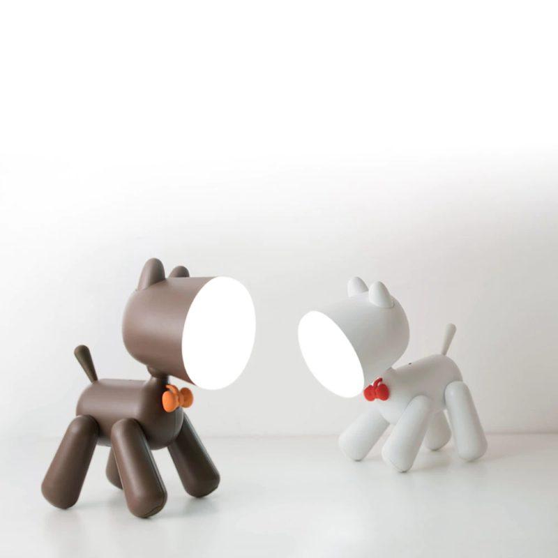 lampe chien blanc et marron