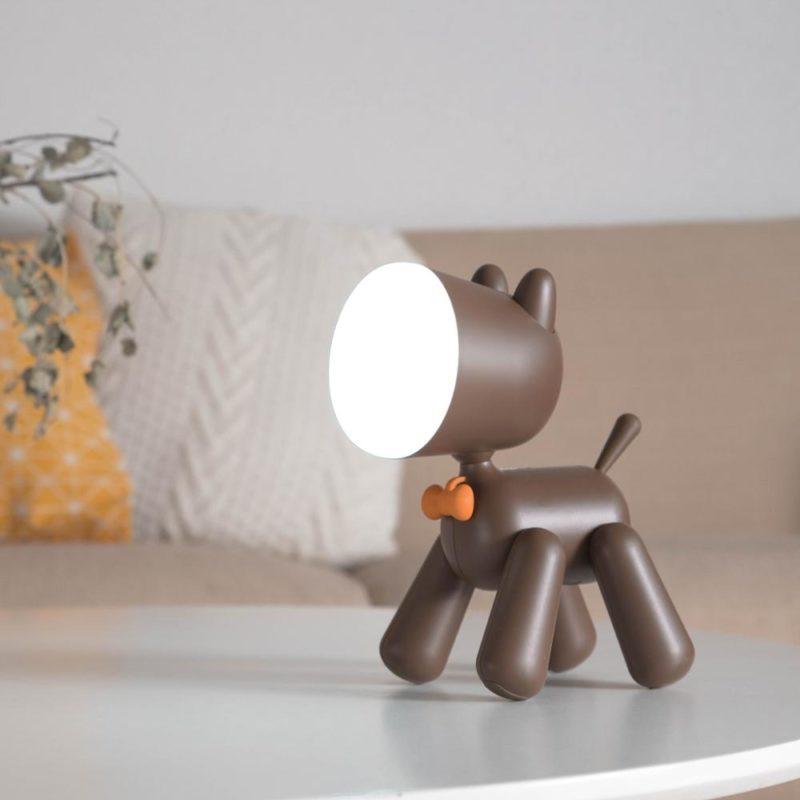lampe chien marron