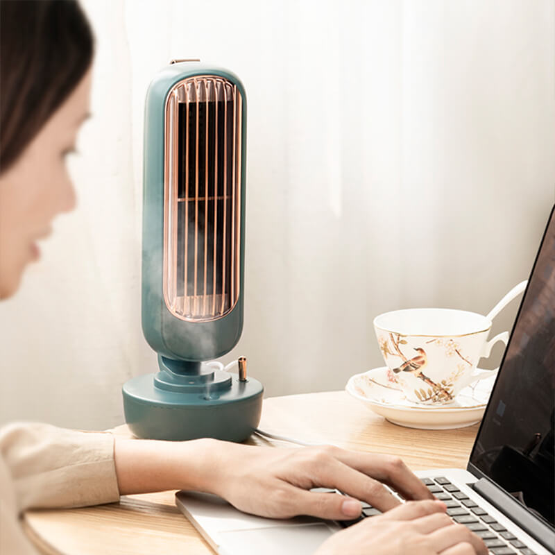 Ventilateur brumisateur vintage sur bureau