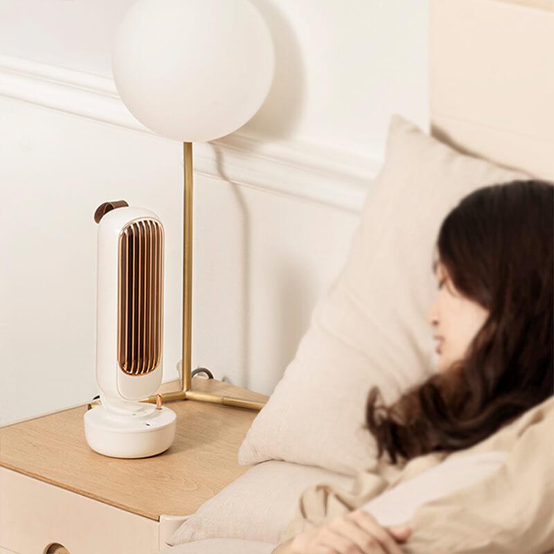 Ventilateur brumisateur vintage sur table