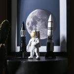 statue astronaute et fusées
