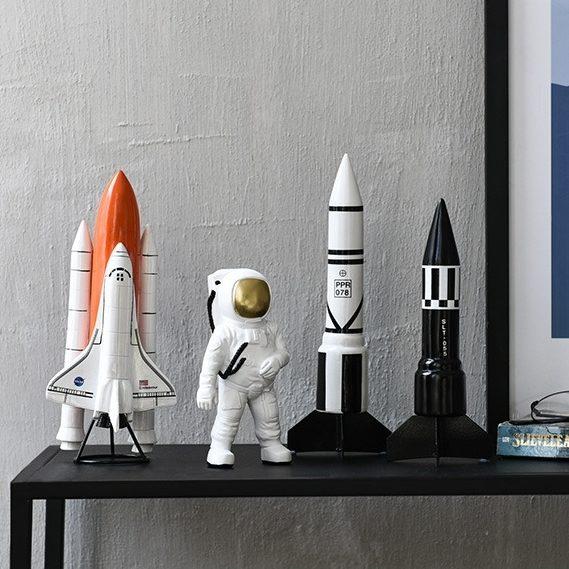 Astronaute et fusées