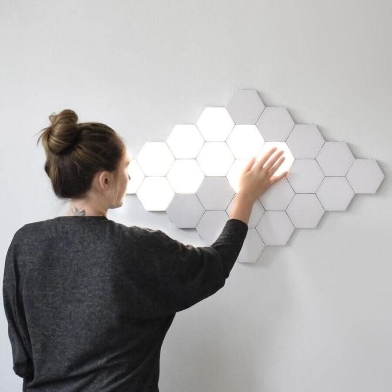 Utilisation de la lampe tactile hexagonale
