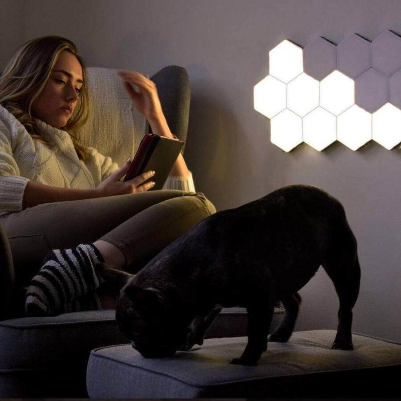 Lampe tactile hexagonale utilisée en lumière d'ambiance