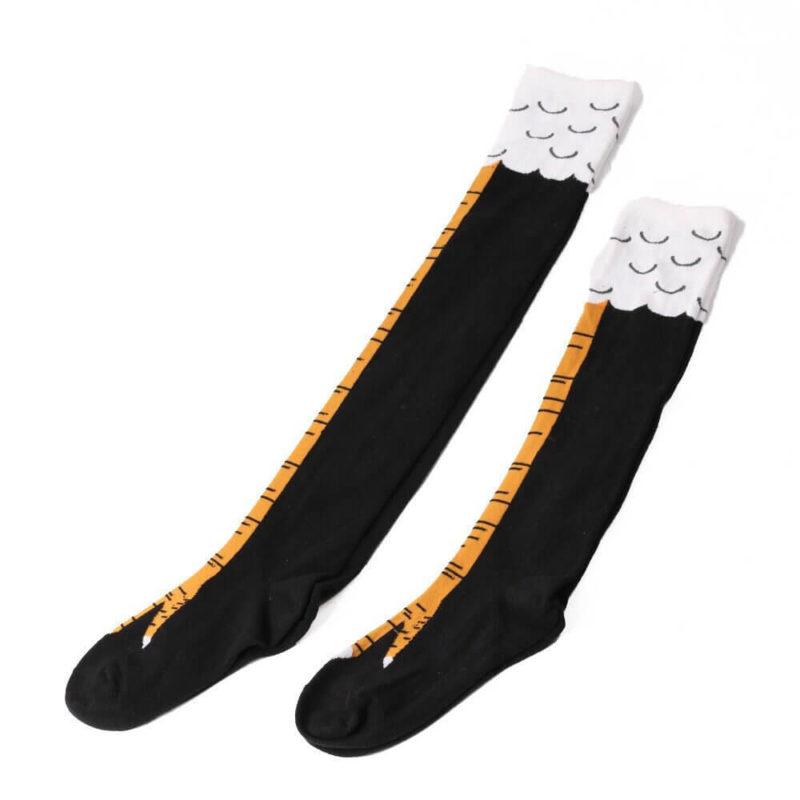 chaussettes pattes de poulet noires étendues